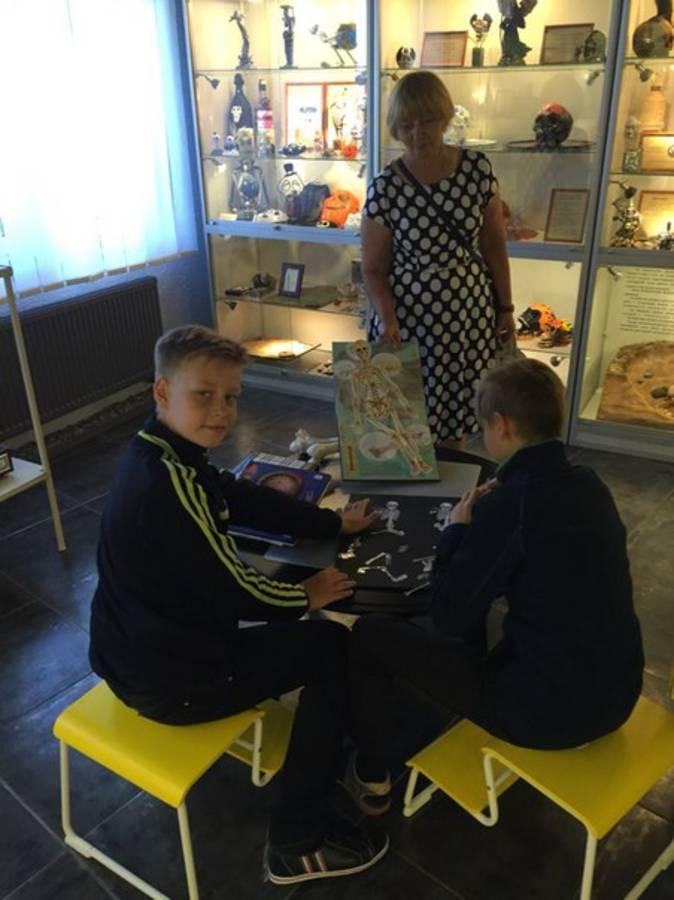 Музей Черепов и Скелетов/День рождения 1 год